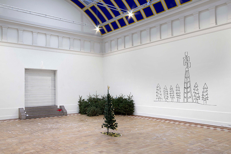 http://www.mikkelcarl.com/files/gimgs/th-125_039_Installation-view.jpg