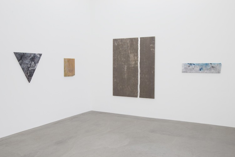 http://www.mikkelcarl.com/files/gimgs/th-89_013_Mikkel-Carl_Installation-view.jpg
