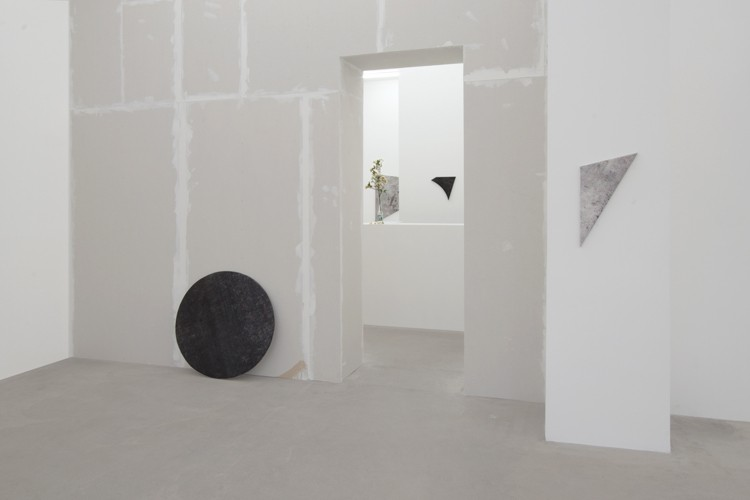 http://www.mikkelcarl.com/files/gimgs/th-89_023_Mikkel-Carl_Installation-view.jpg